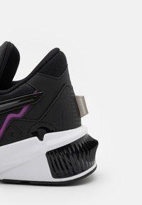 Puma - PROVOKE XT FM  - Zapatillas de entrenamiento - black/byzantium - 5