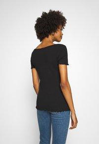 GAP - POINTELLE  - T-shirt z nadrukiem - true black - 2