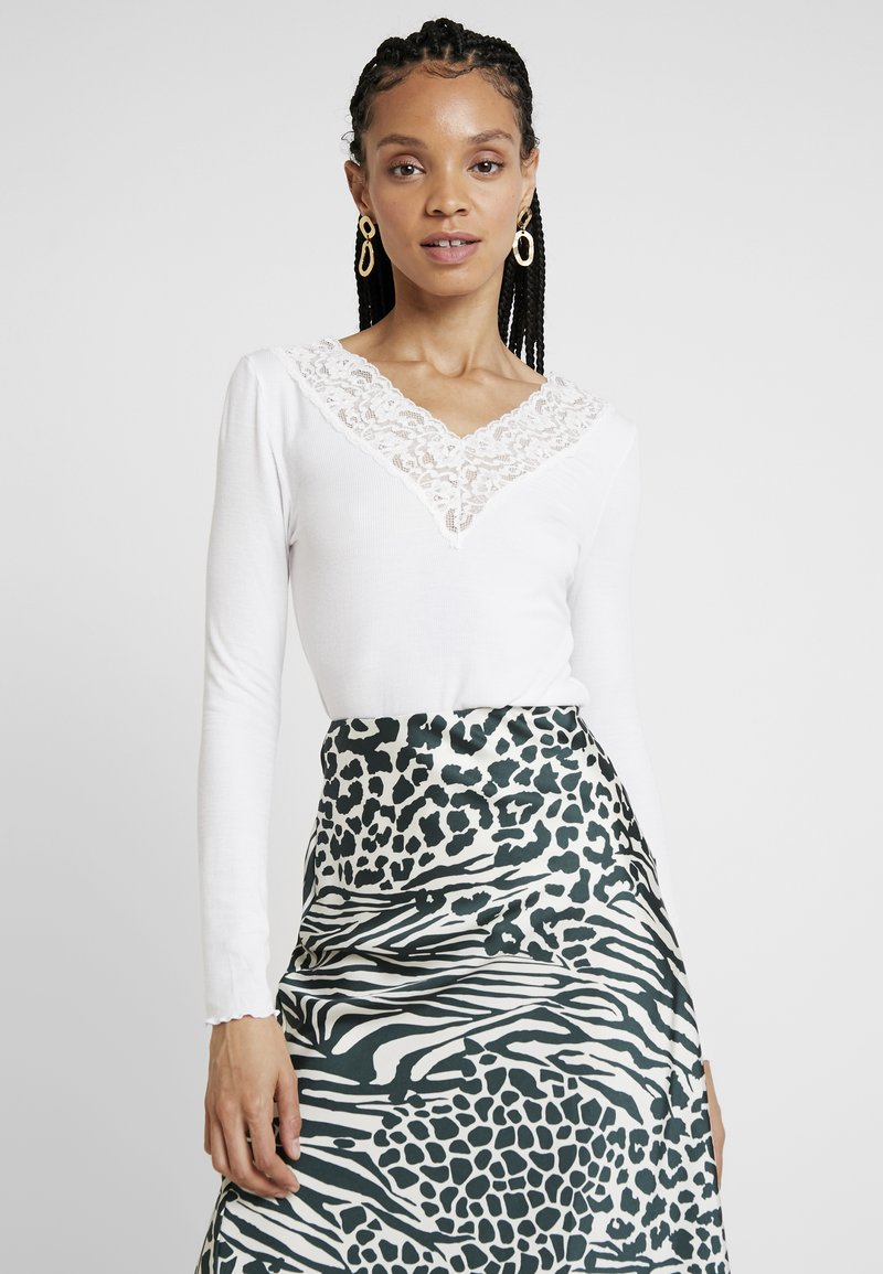 Pieces - PCSIRI - Long sleeved top - bright white