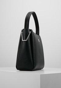 Tommy Hilfiger - CORE SHOULDER BAG - Handväska - black - 3