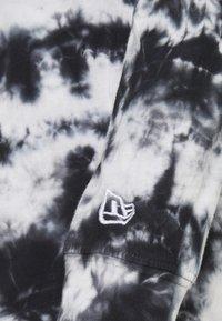 New Era - NFL OAKLAND RAIDERS TIE DYE LONG SLEEVE - Club wear - grey - 2