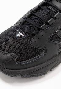 adidas Originals - FALCON 2000  - Joggesko - core black - 2