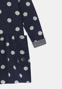 Petit Bateau - Jumper dress - smoking/marshmallow - 2