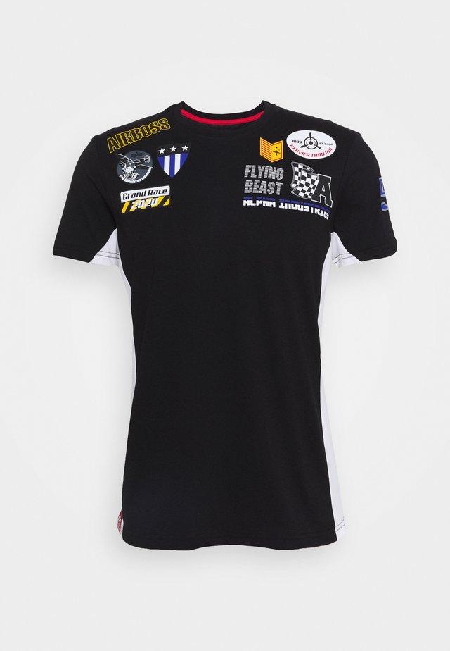 AIR BOSS  - T-shirt con stampa - black