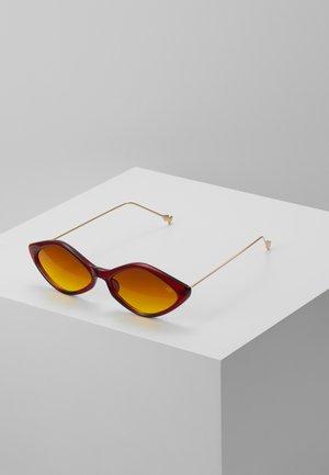 Occhiali da sole - red/gold