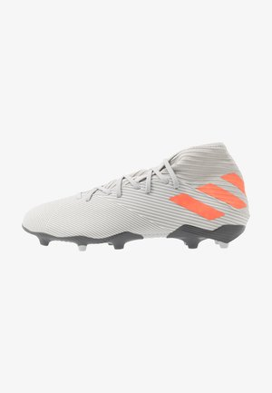 NEMEZIZ FOOTBALL BOOTS FIRM GROUND - Moulded stud football boots - grey two/solar orange/core white