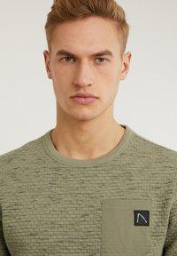 CHASIN' - Sweatshirt - green - 3