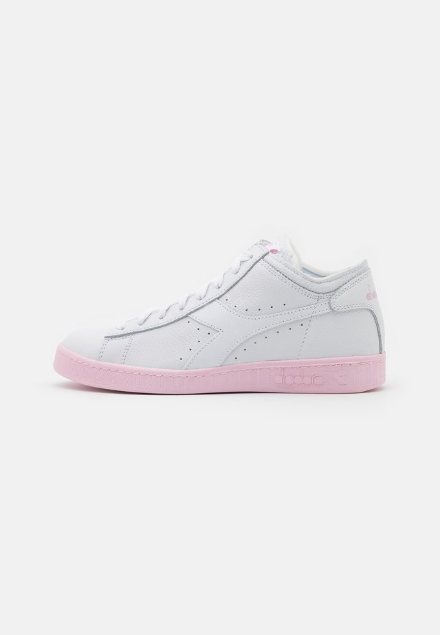 GAME ROW CUT SOLE BLOCK  - Sneakersy wysokie - super white/parfait pink
