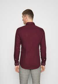 Seidensticker - MODERN KENT X SLIM - Formal shirt - bordeaux - 2