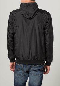 Urban Classics - Light jacket - black/turquoise - 4