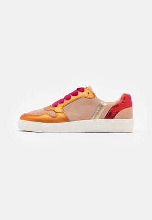 LAURITE - Trainers - peach metallic