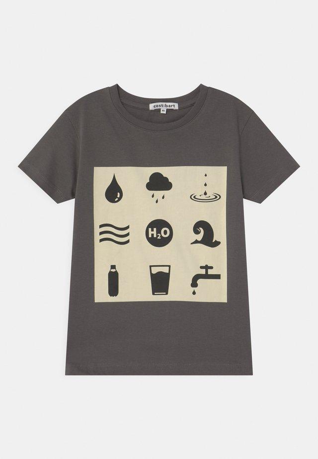 MANUEL - Print T-shirt - asphalt