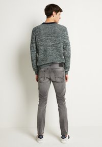 Jack & Jones - JJIGLENN JJORIGINAL - Slim fit jeans - grey denim - 3