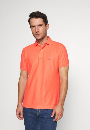 REGULAR - Koszulka polo - orange