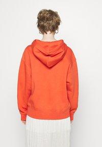 Nike Sportswear - HOODIE TREND - Mikina skapucí - mantra orange/white - 2