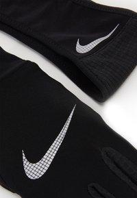 Nike Performance - MENS ESSENTIAL RUNNING HEADBAND AND GLOVE SET - Guanti - black/silver - 2