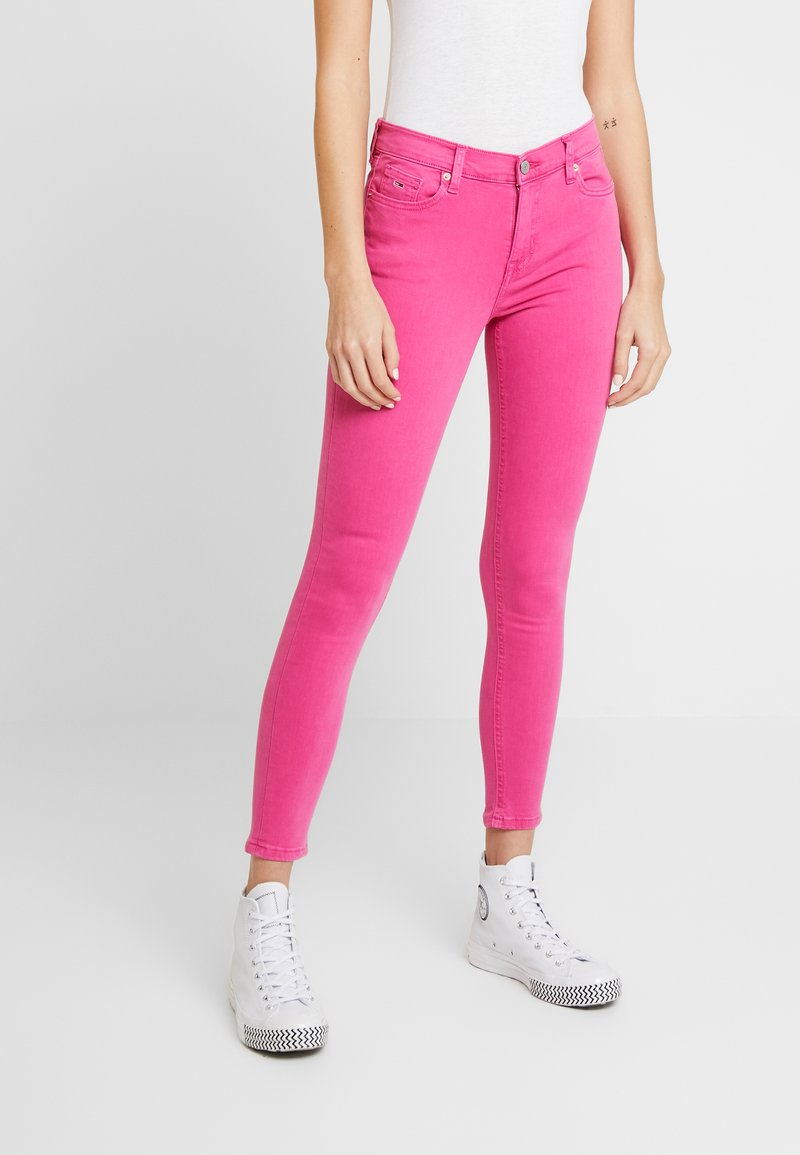 Tommy Jeans - NORA MID RISE SKINNY ANKLE - Jeansy Skinny Fit - pink