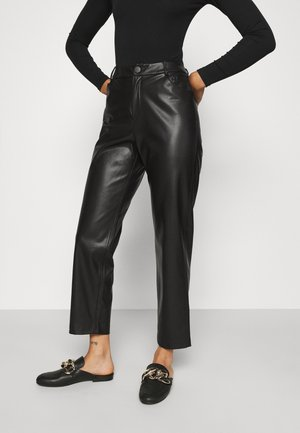 ONLSANDY ANKLE PANT  - Pantaloni - black