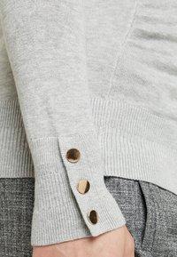 Dorothy Perkins Maternity - V NECK BUTTON CUFF - Långärmad tröja - grey - 4