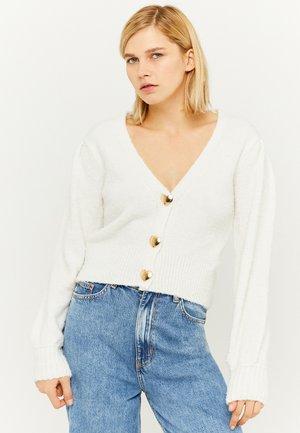 MISSING TITLE - Vest - white