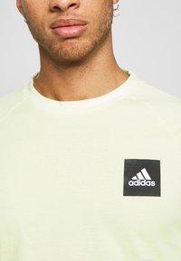 adidas Performance - Print T-shirt - yeltin - 4