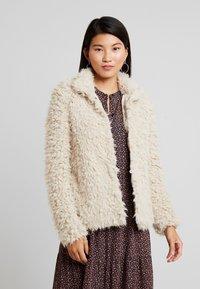 Vero Moda - VMJAYLAMEG JACKET - Winter jacket - oatmeal - 0