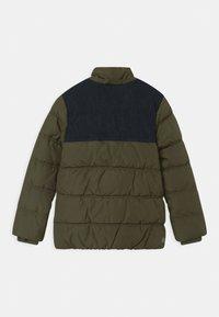 s.Oliver - Zimní bunda - khaki/oliv - 2
