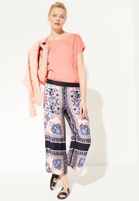 comma casual identity - Trousers - marine scarf print - 1