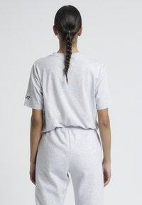 HALO - T-shirts print - lt grey melange - 2