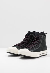 Converse - CHUCK TAYLOR ALL STAR WP - Korkeavartiset tennarit - black/egret