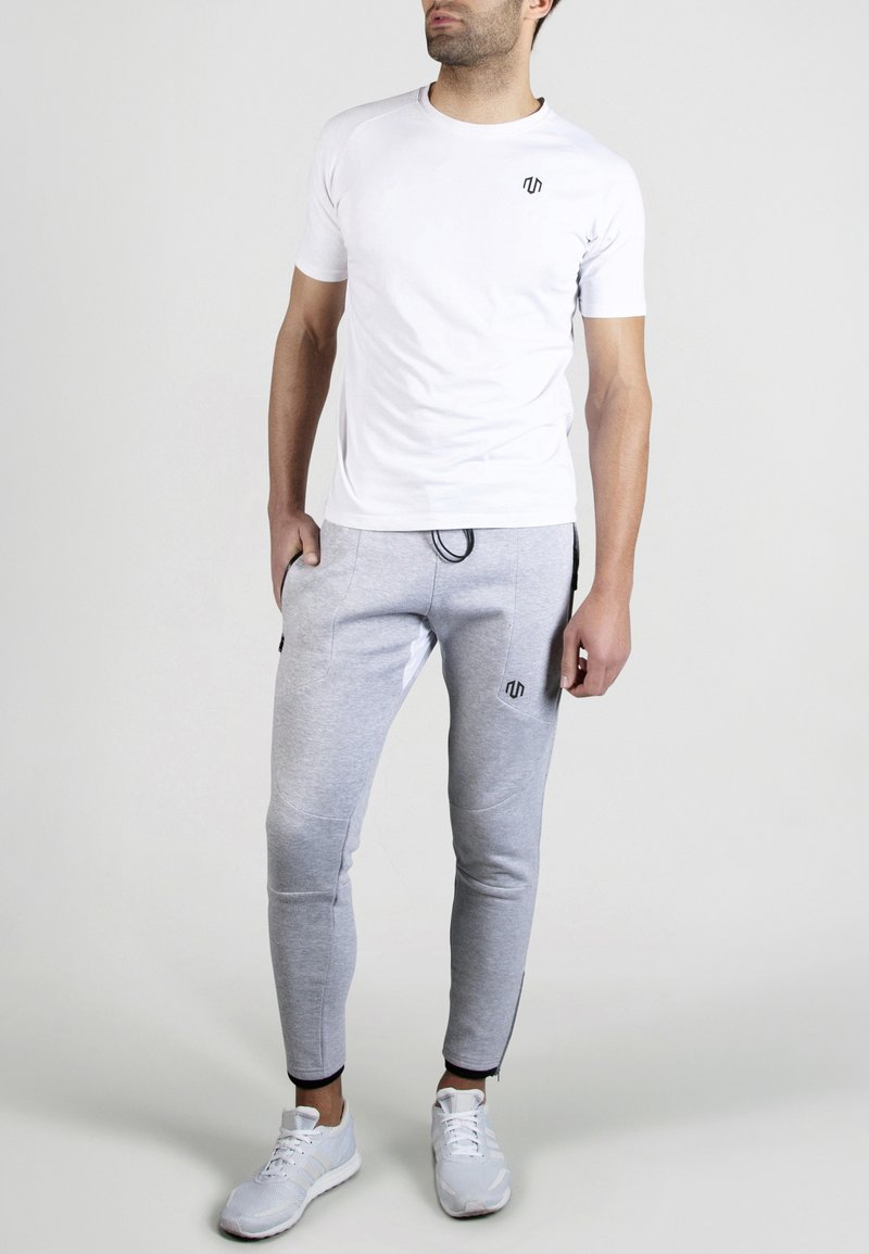 MOROTAI - Basic T-shirt - white