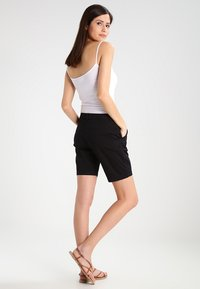 Zalando Essentials - Szorty - black - 2