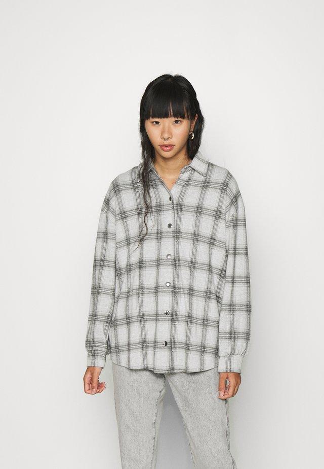 ALL I NEED SHACKET - Summer jacket - gray
