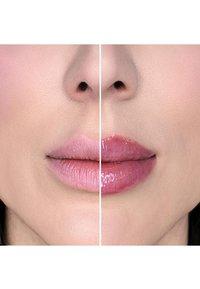 Too Faced - LIP INJECTION MAXIMUM PLUMP - Lip plumper - maximum plump - 6