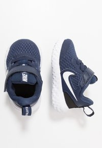 Nike Performance - REVOLUTION 5 UNISEX - Neutral running shoes - midnight navy/white/black - 0