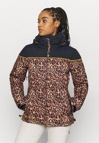 DC Shoes - DIVA JACKET - Snowboard jacket - leopard_fade - 0