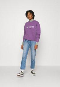 Carhartt WIP - CARHARTT - Sweatshirt - aster/white - 1
