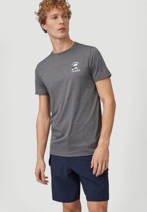WALK & WATER - Print T-shirt - asphalt