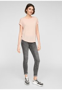 Q/S designed by - Basic T-shirt - spring rose - 1