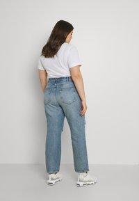 ONLY Carmakoma - CARINC ROBYN LIFE - Straight leg jeans - light blue denim - 2