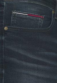 Tommy Jeans Plus - SCANTON SLIM - Slim fit jeans - CORNELL BLUE BLACK STRETCH - 4