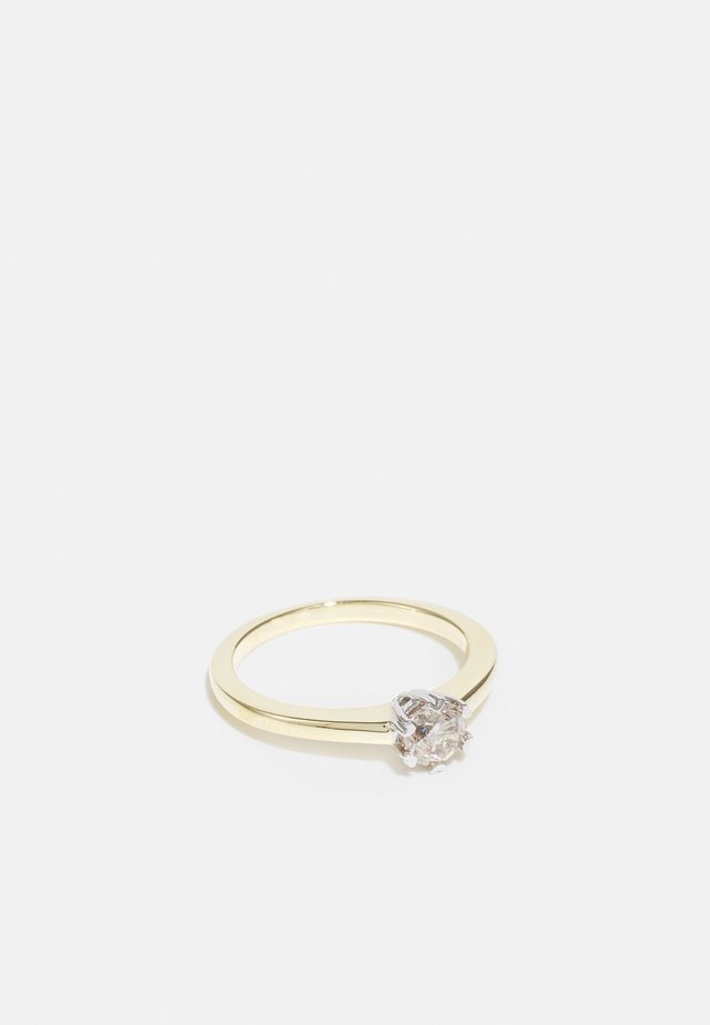 9KT YELLOW GOLD 0.5CT CERTIFIED DIAMOND SOLITAIRE RING - Ringe - gold
