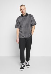 Obey Clothing - CUTTER - Polotričko - black - 1