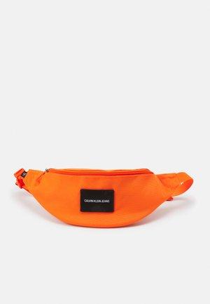WAISTBAG UNISEX - Ledvinka - vivid orange