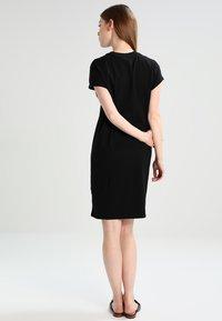 KIOMI - Jerseykleid - black - 2