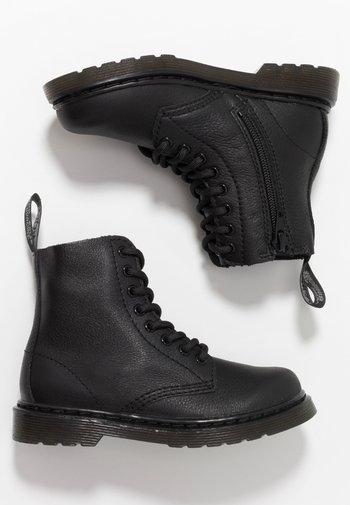 1460 PASCAL MONO JUNIOR - Kotníkové boty - black