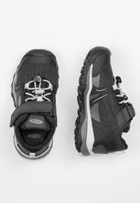 Keen - TERRADORA II LOW WP - Hiking shoes - black/beveled glass - 1