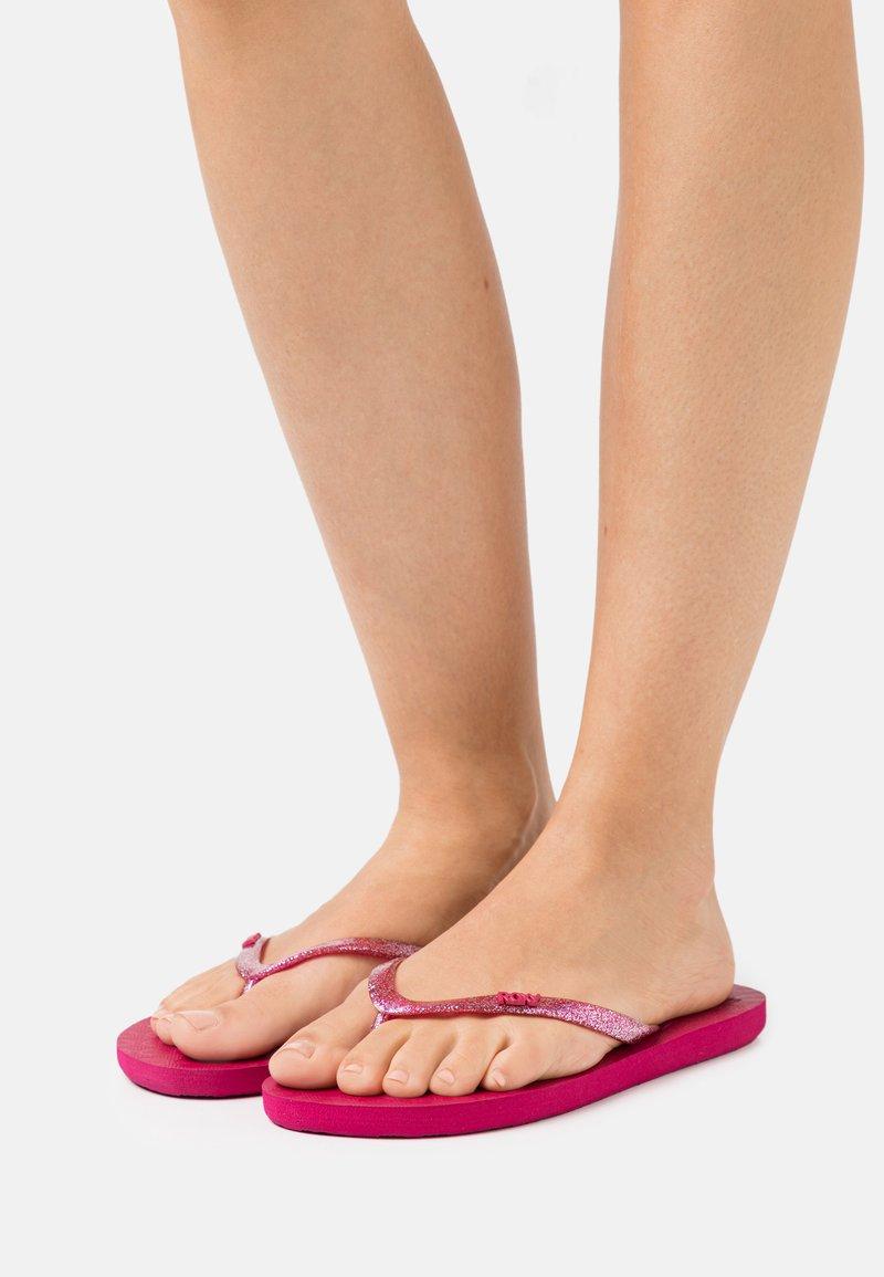 Roxy - VIVA SPARKLE  - Pool shoes - cerise