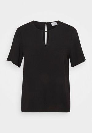 VILANA KEY HOLE - Basic T-shirt - black