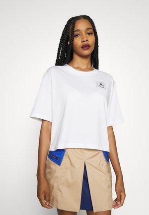 ESSEN BOXY TEE - T-shirt basic - white/black